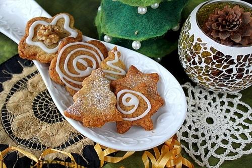 Песочное печенье с грецкими орехами подача