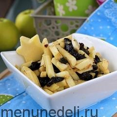 Салат из яблок с черносливом как в детском саду