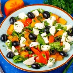 Салат с хурмой и моцареллой