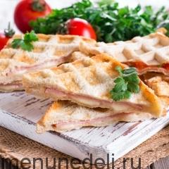 Горячие бутерброды в вафельнице