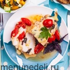 Куриная грудка с томатами-черри и моцареллой