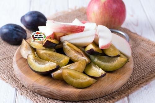 Пирог с яблоками и сливами - рецепт пошаговый с фото