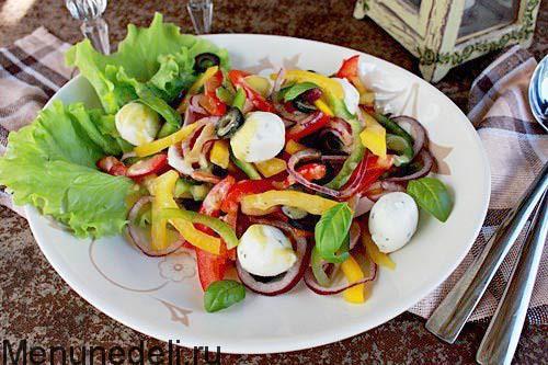 Салат с ветчиной и перцем с